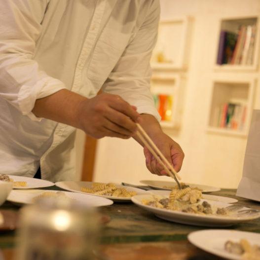 料理大好き。忘年会ではメンバーと料理対決します。 (昨年はパスタ対決で負けました)